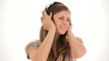 six-ways-to-stop-headphone-headache-featured